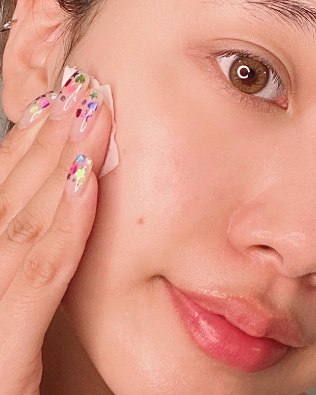 Trong suốt sự nghiệp khám da cho các chị em, bác sĩ thấy đây là 5 lỗi skincare nghiêm trọng mà nhiều người mắc nhất - Ảnh 2.