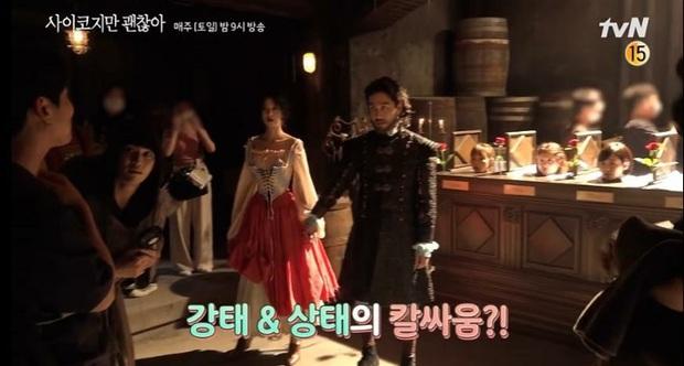 Cười nội thương với yêu râu xanh bản lỗi ở Điên Thì Có Sao và biểu cảm mặn mòi của Kim Soo Hyun giữa dàn điều dưỡng! - Ảnh 9.