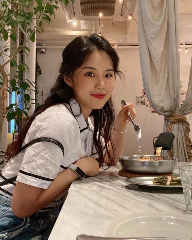 Từ vòng 2 ngấn mỡ như bầu mấy tháng thành lộ cơ săn chắc khó tin, cô nàng blogger xứ Kim Chi còn chia sẻ 5 động tác giúp eo thon, đùi nhỏ mà sao Kpop vẫn thường tập - Ảnh 2.
