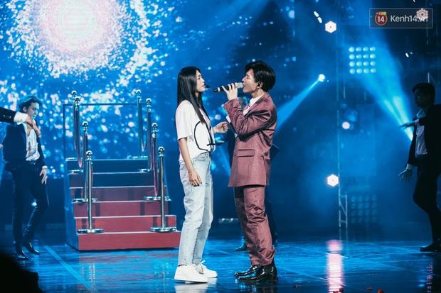 Sao Việt tạo dấu ấn trong show Việt - Hàn: Hương Giang tái hiện cách xử người thứ ba, Erik hôn Hoa hậu Tiểu Vy và còn nhiều hơn thế - Ảnh 6.