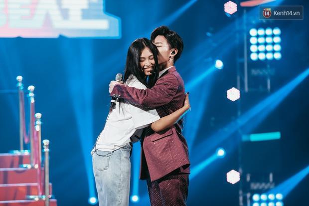 Sao Việt tạo dấu ấn trong show Việt - Hàn: Hương Giang tái hiện cách xử người thứ ba, Erik hôn Hoa hậu Tiểu Vy và còn nhiều hơn thế - Ảnh 7.