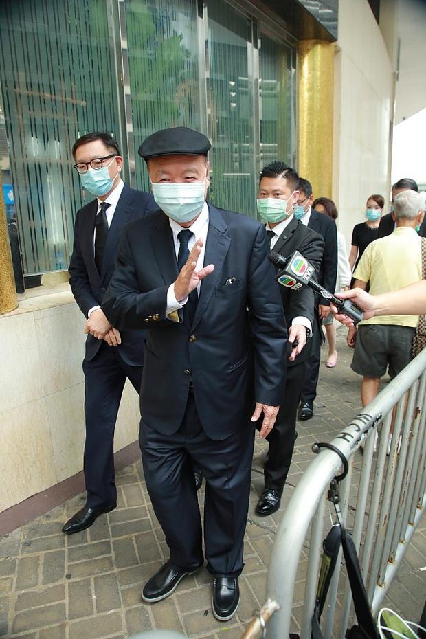 Tang lễ trùm sòng bạc Macau ngày 2: Vợ chồng Ming Xi thất thần, cả gia tộc chìm trong buồn bã, hàng loạt nhân vật tai to mặt lớn xuất hiện - Ảnh 17.