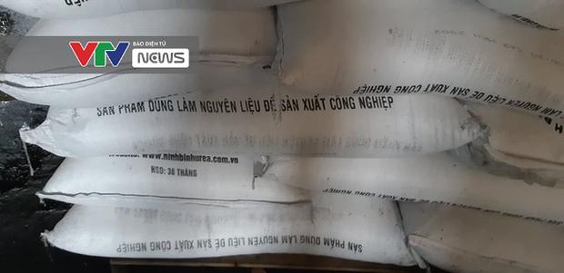 Có dấu hiệu sản xuất trái phép hóa chất tại kho hàng bị cháy ở Long Biên - Ảnh 3.
