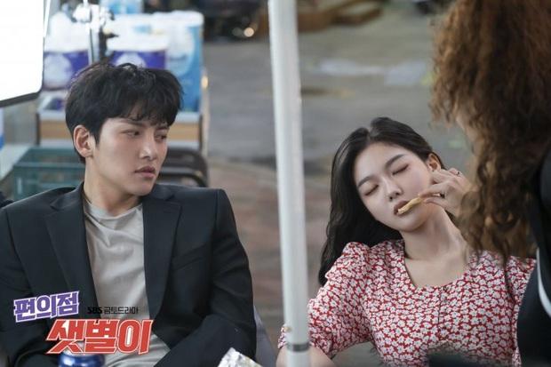 """Nữ chính Jung Saet Byul của Backstreet Rookie: Sự nhập nhằng giữa """"phá vỡ định kiến"""" và """"tiểu tam trá hình"""" - Ảnh 5."""