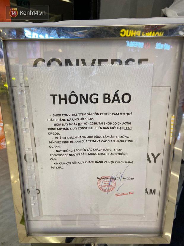 Giới trẻ Sài Gòn chen nhau bẹp ruột để mua giày, store vỡ trận quyết định ngừng bán - Ảnh 3.
