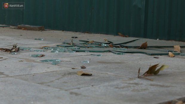Ảnh: Rác thải ngập ngụa, kính vỡ nằm ngổn ngang bẫy người đi đường trên đại lộ gần 1.500 tỷ đồng - Ảnh 7.
