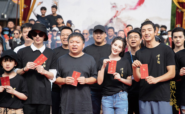 Bành Tiểu Nhiễm siêu xinh ở lễ khai máy phim mới, chị đẹp Đông Cung cuối cùng cũng tái xuất rồi! - Ảnh 2.