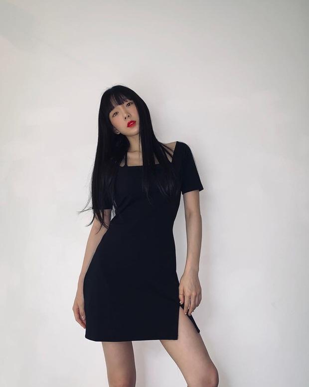 SNSD diện đồ nhóm rộn ràng dự tiệc sinh nhật Tiffany, dân tình phát sốt vì màn khoe vòng 1 cực nóng của Sooyoung - Ảnh 5.