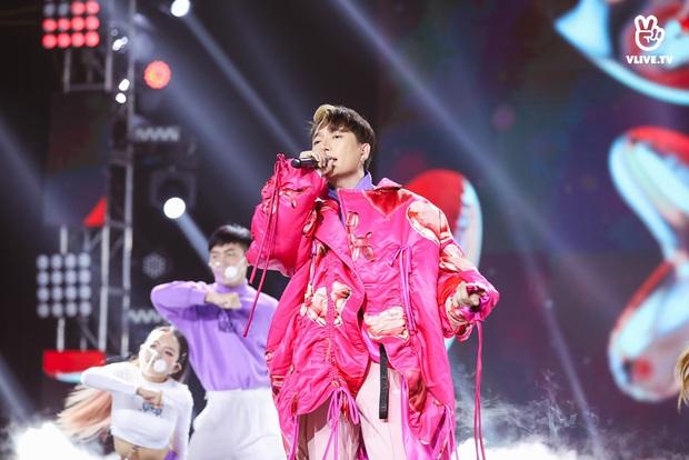 Minh Hằng lâu lắm mới đi hát trở lại, Uyên Linh khoe giọng hát nổi da gà: 2 nữ nghệ sĩ chặt đẹp màn trình diễn của các đồng nghiệp nam! - Ảnh 9.