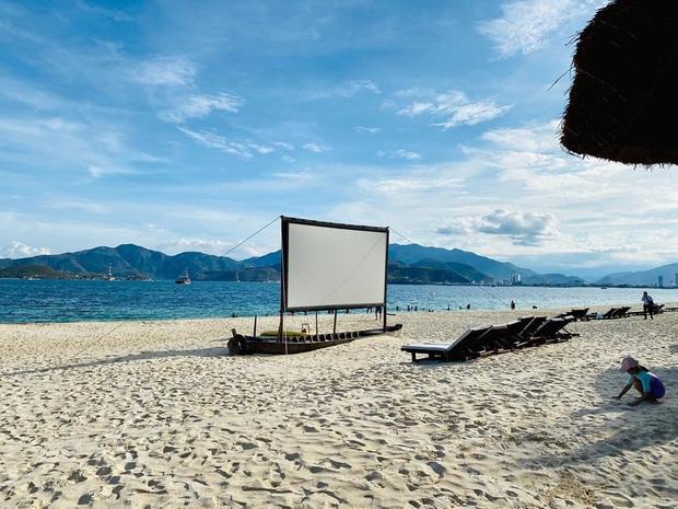 Tình hình check-in ở các điểm nóng du lịch trên cả nước: Huế hoãn Festival sang 2021, Nha Trang nói không với tụ tập trên biển - Ảnh 3.