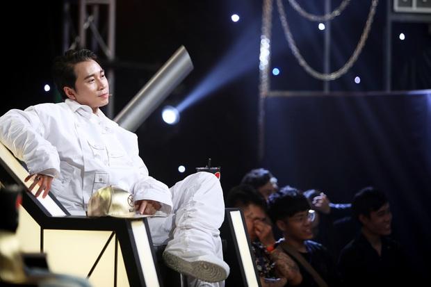 Karik ngồi ghế nóng Rap Việt: Lo nhất là team Binz! - Ảnh 2.