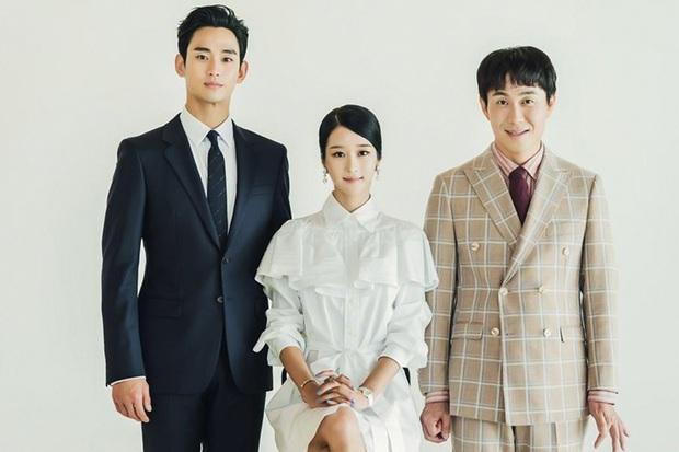 Nhìn Irene và Seo Ye Ji đụng hàng mới thấy khó tin 2 nàng gần bằng tuổi: Người sang như công nương, người trẻ như nữ sinh - Ảnh 2.