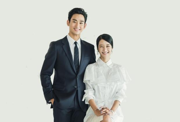Nhìn Irene và Seo Ye Ji đụng hàng mới thấy khó tin 2 nàng gần bằng tuổi: Người sang như công nương, người trẻ như nữ sinh - Ảnh 3.