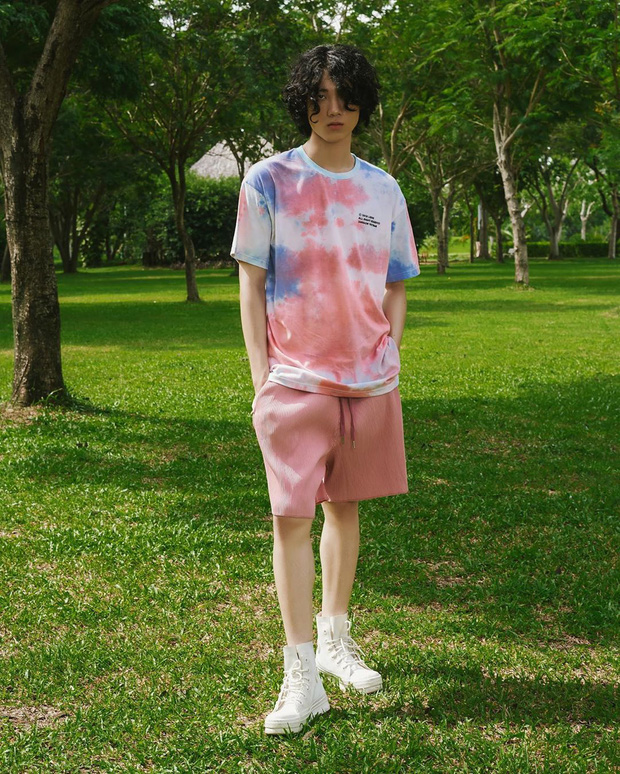 """Chỉ với chiếc áo phông cơ bản, các chàng trai có thể """"chế cháo"""" được nhiều outfit bảnh tỏn hết nấc  - Ảnh 17."""