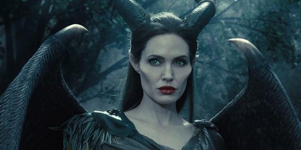6 gái hư ghét không nổi của Hollywood: Maleficent, dì ghẻ Lọ Lem ác đấy nhưng vì đẹp xỉu nên được tha thứ tất? - Ảnh 1.