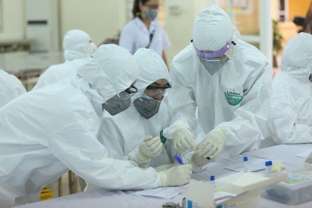 Thêm 12 ca mắc Covid-19 mới tại Đà Nẵng và Quảng Nam, bệnh nhân nhỏ nhất mới 2 tuổi - Ảnh 1.