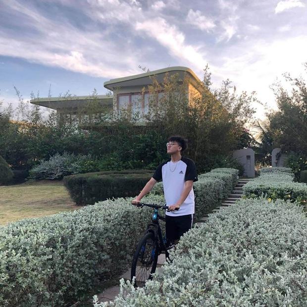 Soi ảnh hội anh em Độ Mixi khi du lịch: Tộc trưởng check-in kiểu Cao Bằng, trai trẻ lại vô cùng chanh sả - Ảnh 7.