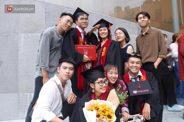 Nhiều trường Đại học hoãn tổ chức lễ tốt nghiệp, thi tốt nghiệp cho sinh viên năm cuối - Ảnh 1.