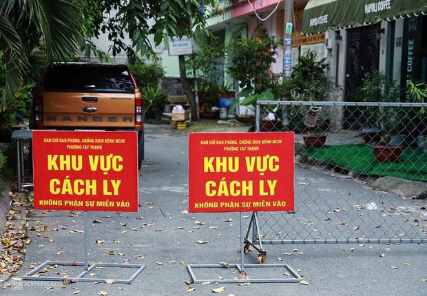 Phong tỏa 9 căn nhà ở Sài Gòn vì có người nghi mắc COVID-19 - Ảnh 1.