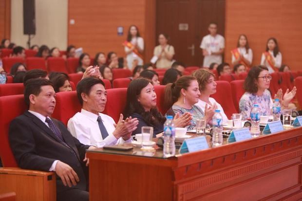 Sinh viên Học viện Ngân hàng tổ chức thành công cuộc thi diễn thuyết về Bình đẳng giới - Ảnh 1.