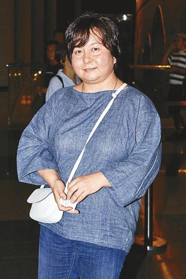 Con gái nhạt nhòa của Vua sòng bài Macau: Đời tư kín tiếng, giỏi giang không thua kém hai chị, lớn tuổi vẫn lẻ bóng một mình - Ảnh 1.