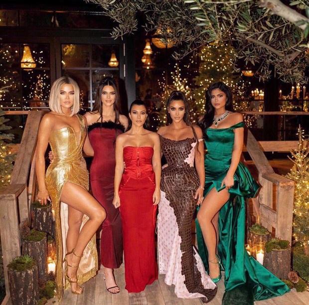 Thì thầm Hollywood: Kendall từ mặt nhà Kardashian, Katy Perry toang với chồng vì cái chết bí ẩn của chó, Angelina - Brad Pitt đều có biến? - Ảnh 2.