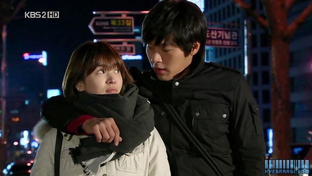Loạt khoảng khắc ngọt mê mẩn của Song Hye Kyo - Hyun Bin ở phim cũ gần 10 năm trước - Ảnh 13.