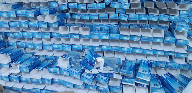 Hàng chục tấn găng tay đã qua sử dụng được tái chế để... bán ra thị trường - Ảnh 3.