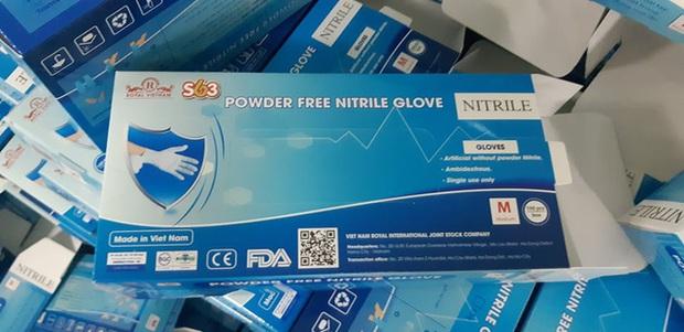Hàng chục tấn găng tay đã qua sử dụng được tái chế để... bán ra thị trường - Ảnh 4.