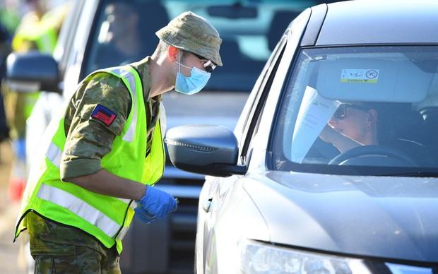 Nước Úc từ hình mẫu chống dịch đang phải đối mặt với những ngày tồi tệ nhất từ trước đến nay, nhưng tại sao họ không hề lo sợ? - Ảnh 3.