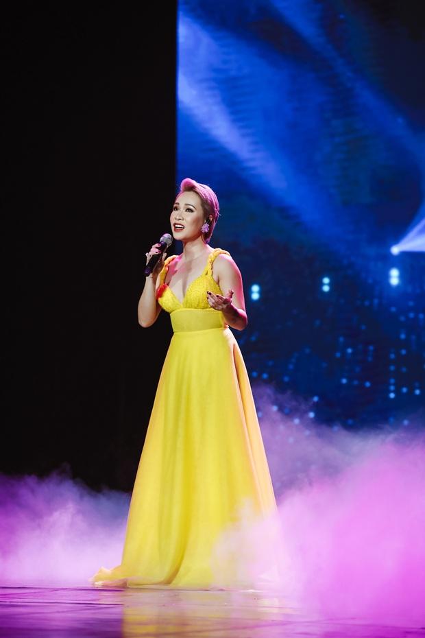 Minh Hằng lâu lắm mới đi hát trở lại, Uyên Linh khoe giọng hát nổi da gà: 2 nữ nghệ sĩ chặt đẹp màn trình diễn của các đồng nghiệp nam! - Ảnh 20.