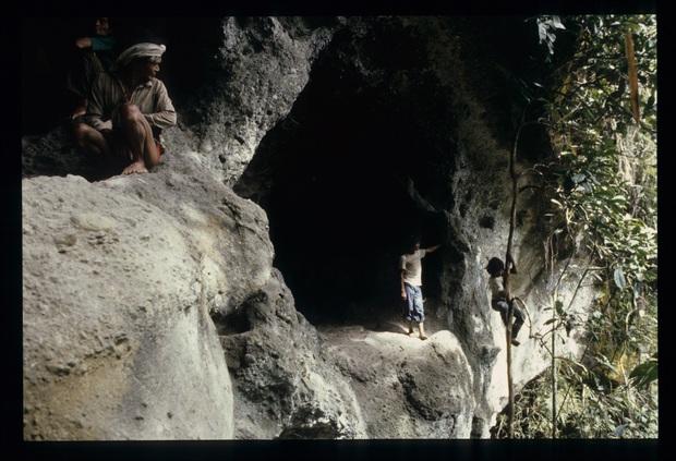Chuyện về bộ lạc man rợ sống trong hang núi Tasaday và cú lừa ngoạn mục khiến cả thế giới tin sái cổ - Ảnh 13.