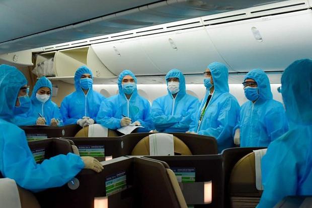 Bamboo Airways thực hiện chuyến bay đặc biệt đến Dubai đưa 200 công dân Việt Nam hồi hương - Ảnh 1.