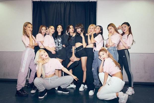Dancer phụ họa cho BLACKPINK ra mắt trong girlgroup Kpop: Gây sốt vì giống bạn gái GD, 29 tuổi vẫn quyết debut lần 5 - Ảnh 11.