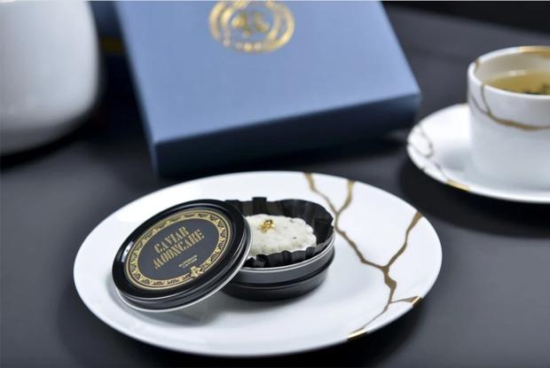 Lộ diện 1 trong những chiếc bánh Trung thu lạ nhất thế giới năm nay: nhân trứng cá tầm và nấm truffle - Ảnh 4.