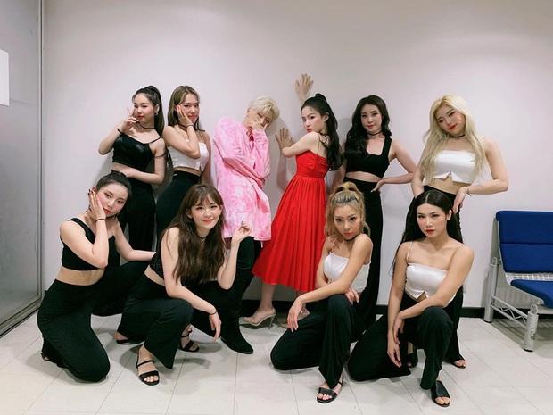 Dancer phụ họa cho BLACKPINK ra mắt trong girlgroup Kpop: Gây sốt vì giống bạn gái GD, 29 tuổi vẫn quyết debut lần 5 - Ảnh 13.
