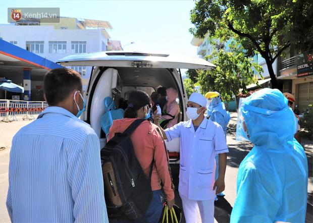 Lịch trình tiếp xúc nhiều người của 4 công nhân mắc Covid-19 ở Đà Nẵng: Họp khóa tại trường với 300 người, đi chơi quanh xóm, đến chợ đầu mối - Ảnh 1.