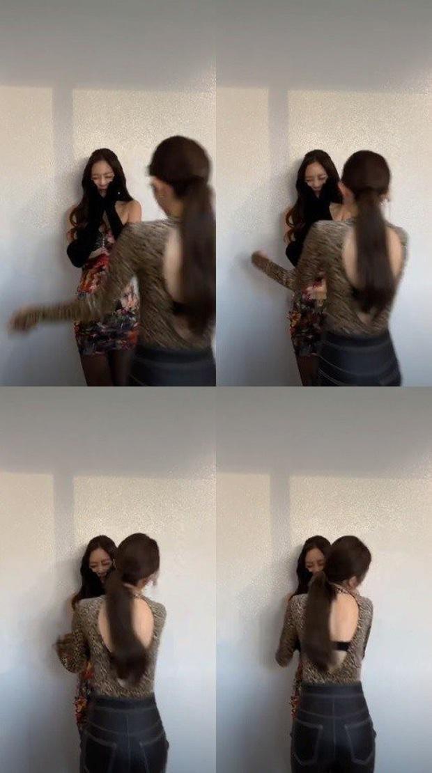 Hé lộ quan hệ thật của 3 girlgroup đối thủ BLACKPINK, TWICE, Red Velvet: Có đến 5 chiến hạm, lộ bằng chứng hẹn hò riêng - Ảnh 18.