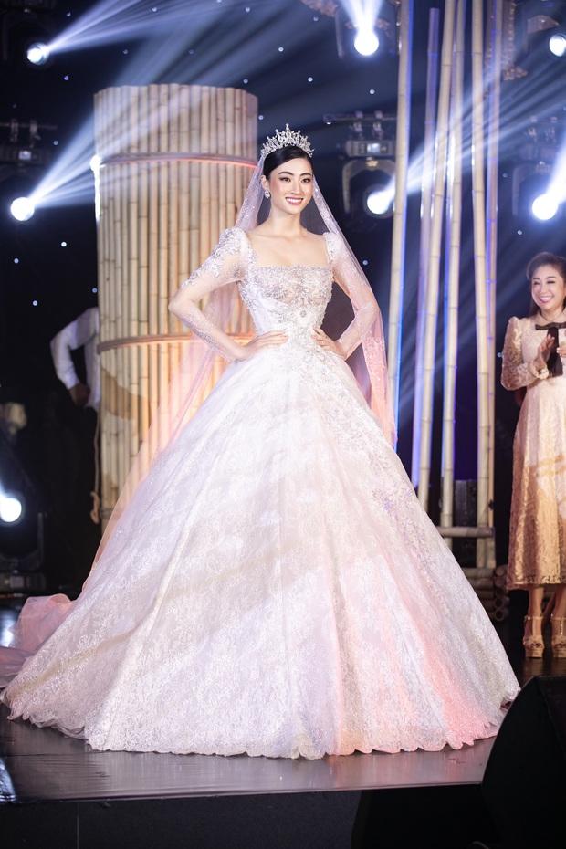 Minh Nhựa mạnh tay chi hơn 400 triệu đấu giá váy cưới của Lương Thuỳ Linh ủng hộ Đà Nẵng chống dịch Covid-19 - Ảnh 4.
