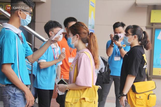 Trường Đại học đầu tiên cho sinh viên tạm dừng học tập trung qua tháng 9 vì dịch Covid-19 - Ảnh 1.