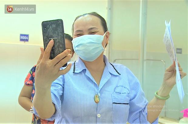 Niềm vui của bệnh nhân Covid-19 vừa xuất viện ở Đà Nẵng: Cảm ơn các y bác sĩ đã sinh ra chúng tôi lần 2! - Ảnh 3.