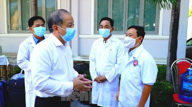 40 bác sĩ, điều dưỡng Huế xuất quân chi viện Đà Nẵng chống dịch COVID-19 - Ảnh 4.