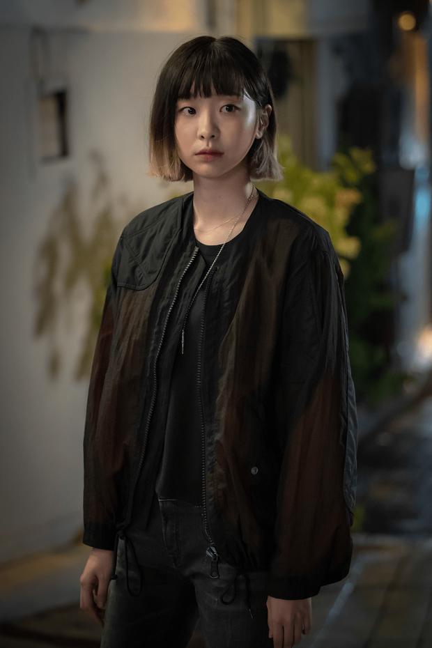 Seo Ye Ji lại đụng độ điên nữ Itaewon khi cùng diện chiếc dây chuyền đang khiến giới mọt phim chao đảo - Ảnh 3.