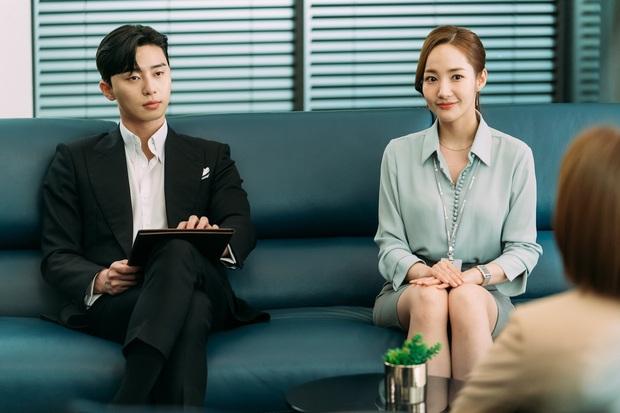 Seo Ye Ji lại đụng độ điên nữ Itaewon khi cùng diện chiếc dây chuyền đang khiến giới mọt phim chao đảo - Ảnh 5.