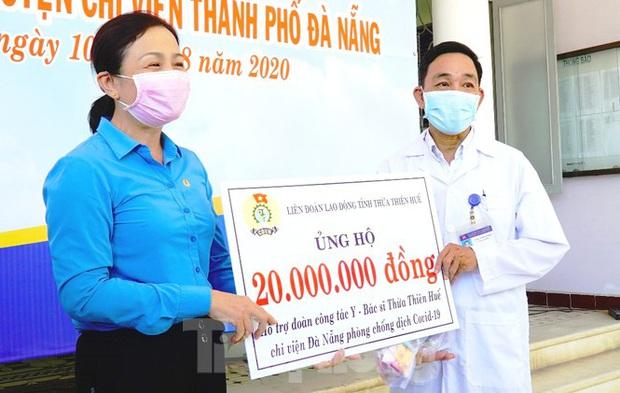 40 bác sĩ, điều dưỡng Huế xuất quân chi viện Đà Nẵng chống dịch COVID-19 - Ảnh 10.
