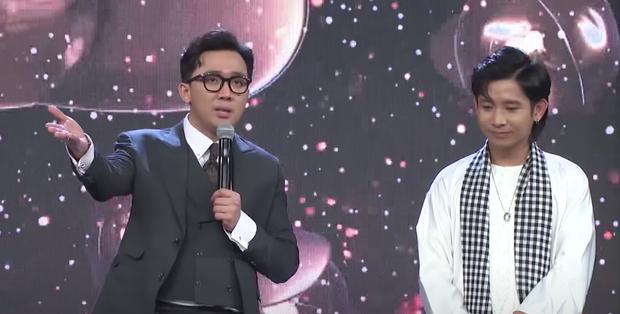 Ricky Star cosplay chú Sáu đi thăm ruộng từ bản gốc của NSƯT Hoài Linh? - Ảnh 1.