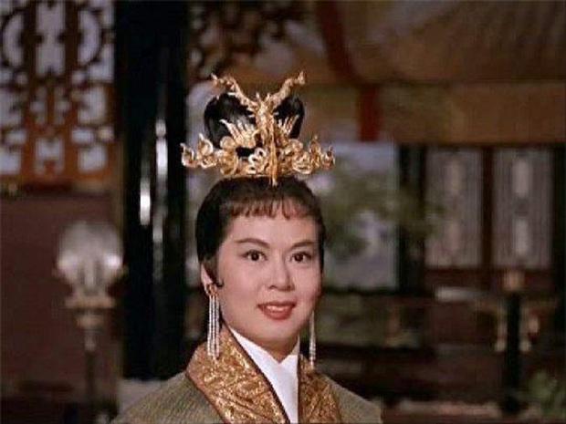 Tứ đại mỹ nhân lạ lùng nhất màn ảnh Hoa ngữ: Vương Chiêu Quân già quá tuổi, Điêu Thuyền nặng tới 100kg - Ảnh 6.