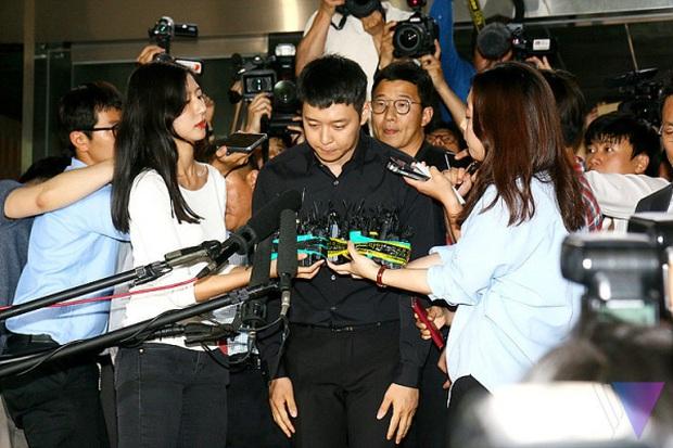 Lời nguyền 10 năm bủa vây dàn sao nam Sungkyunkwan Scandal: Hết bê bối chấn động đến tự tử, Song Joong Ki ồn ào nhất - Ảnh 3.