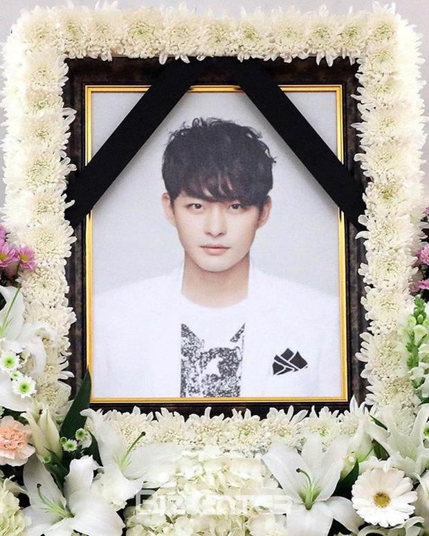 Lời nguyền 10 năm bủa vây dàn sao nam Sungkyunkwan Scandal: Hết bê bối chấn động đến tự tử, Song Joong Ki ồn ào nhất - Ảnh 18.
