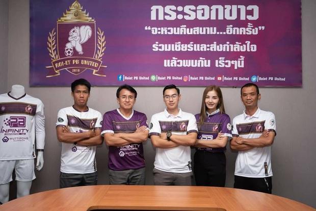 Nữ chủ tịch mới của bóng đá Thái Lan: Xinh đẹp, nóng bỏng và kiếm tiền siêu đỉnh - Ảnh 2.